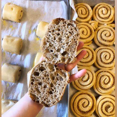 Brödbod Tisdag 11/5 : 13-17. (går att hämta i brödbilen fram till 19)
